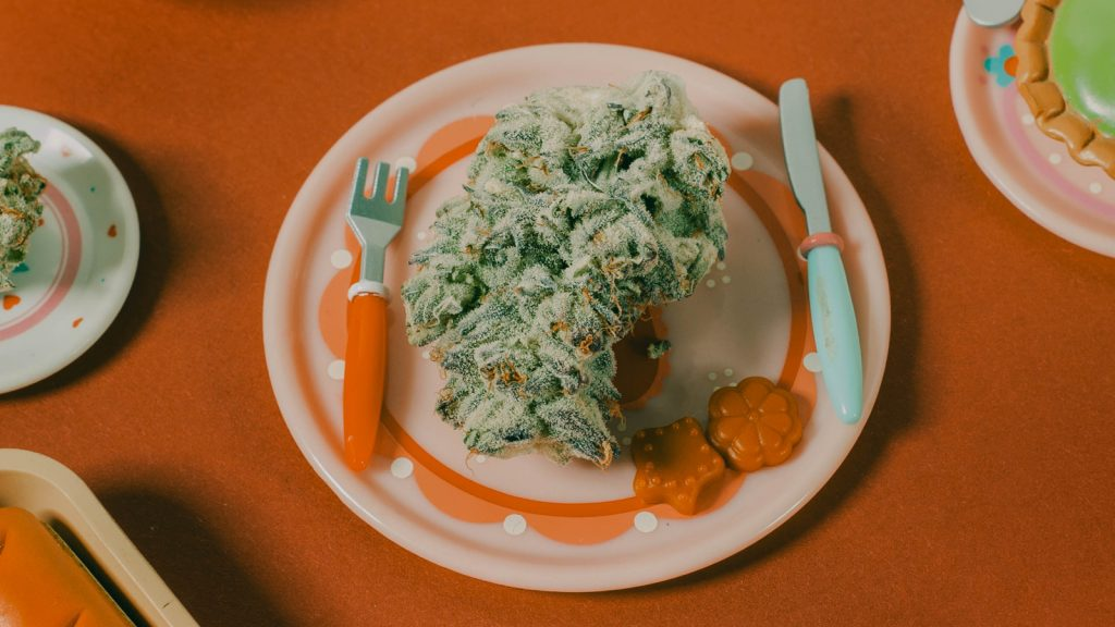 cannabis gifts for the food and beverage cannaseur
